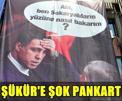 FLAŞ! HAKAN ŞÜKÜR'E, HEMŞERİLERİNDEN OLAY YARATACAK PANKART!..