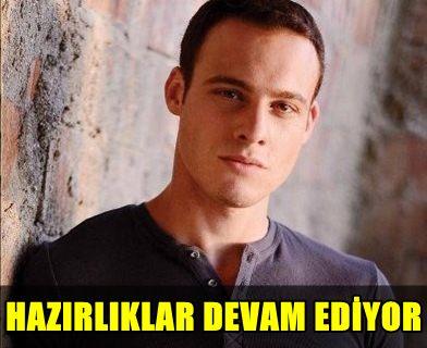 GENÇ KIZLARIN SEVGİLİSİ KEREM BURSİN ROL ALDIĞI DİZİYE BAKIN NASIL HAZIRLANMIŞ!..