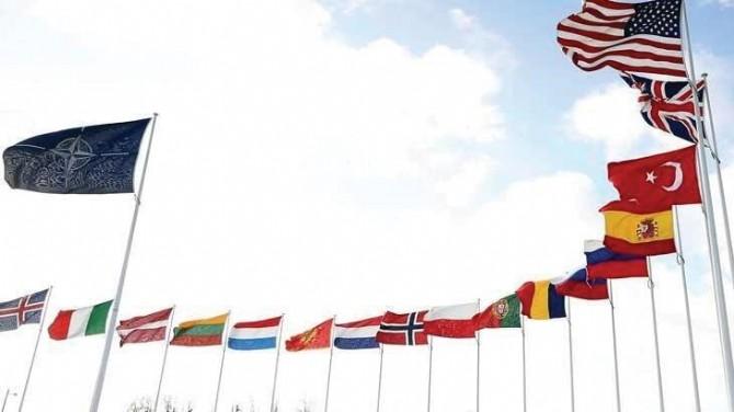 NATO'DA BİR  ARAYA GELDİ