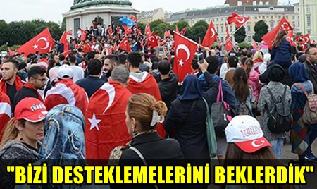BALKONLARA VE EVLERE TÜRK BAYRAĞI ASMANIN YASAKLANMASINA BÜYÜK TEPKİ GELDİ!..