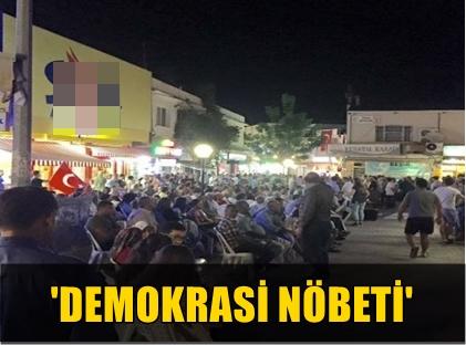 TÜM TÜRKİYE'DE OLDUĞU GİBİ KUŞADASI'NDA DA VATANDAŞLAR HER AKŞAM MEYDANLARDA TOPLANIYOR!..