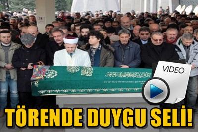 FATİH KISAPARMAK'IN ANNESİ SON YOLCULUĞUNA UĞURLANDI!