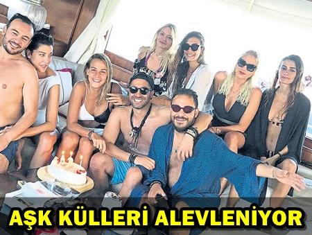 ASLIŞAH ALKOÇLAR'A MİKONOS'TA ÇILGIN PARTİ!