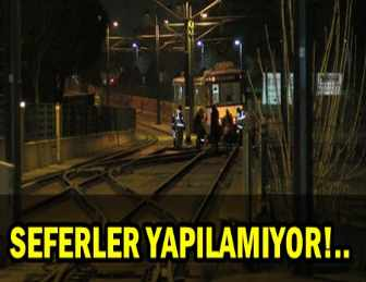 TOPKAPI'DA TRAMVAY RAYDAN ÇIKTI!..