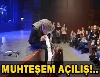MURAT DALKILIÇ, MİNİK HAYRANLARININ ELİNİ ÖPTÜ!..